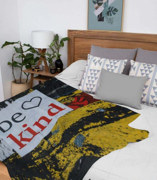 Be Kind Cute Graphic Blanket